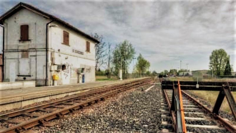 Stazioni ferroviarie dismesse Nel Link un dettagliato elenco delle stazioni abbandonate regione per regione.