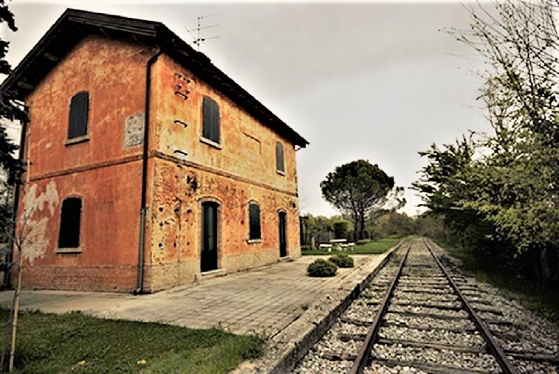 Stazioni ferroviarie dismesse, La vecchia stazione ferroviaria di San martino al Tagliamento.