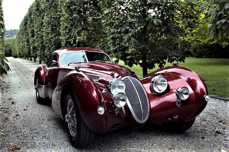 Devaux Coupe 2001, Bellissima in questo colore, la preferisco di gran lunga a quella in grigio.