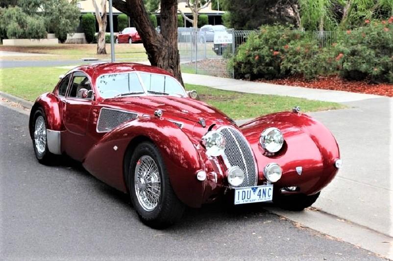 Devaux Coupe 2001, Le griglie anteriore e sui fianchi sono davvero molto belle, specie (appunto) le due sui fianchi.