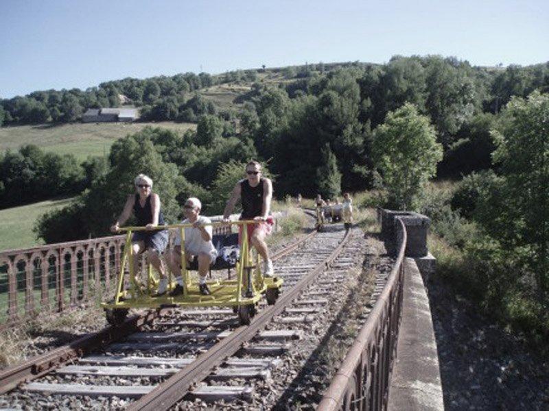 Stazioni ferroviarie dismesse Quella che potrebbe essere una divertente esperienza fatta durante delle vacanze.