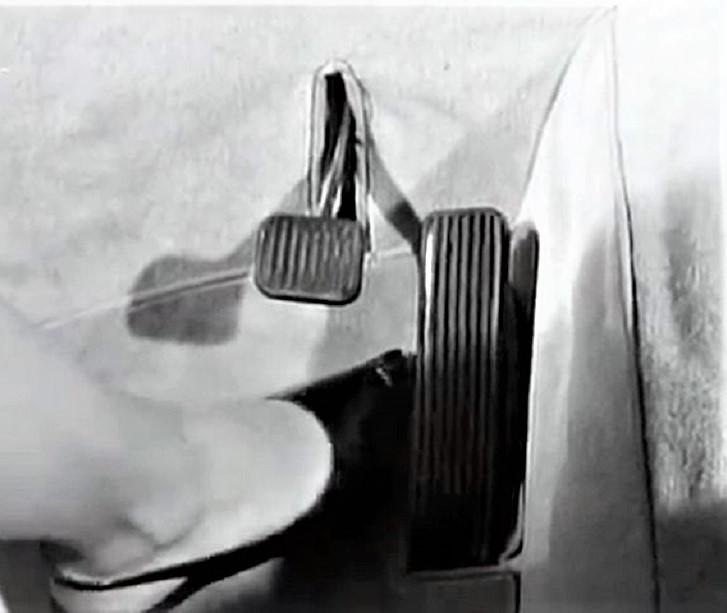 Pio Manzù Autonova Fam Con i soli pedali per il freno e l'acceleratore.
