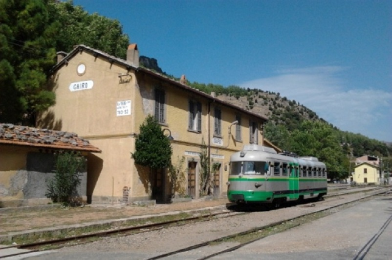 Stazioni ferroviarie dismesse Stazione ferroviaria di Gairo Taquisara.