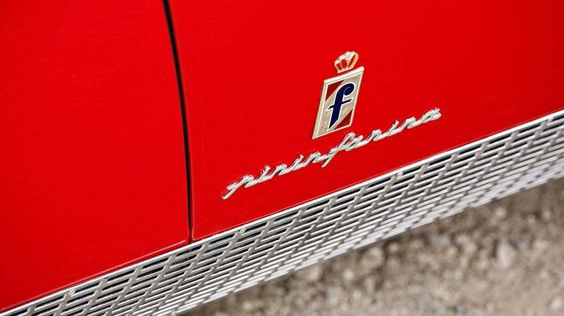 Alfa Romeo 6C 3000 CM Pininfarina Superflow IV, Il logo Pininfarina presente sull'auto.