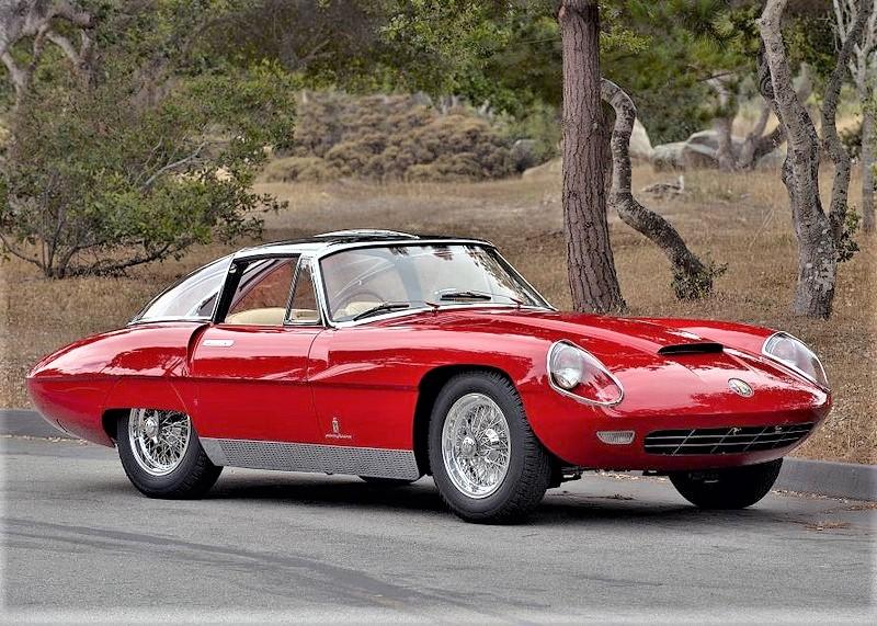 Alfa Romeo 6C 3000 CM Pininfarina Superflow IV, La presa d'aria sul cofano anteriore fu rivista un paio di volte prima di decidere quella definitiva.