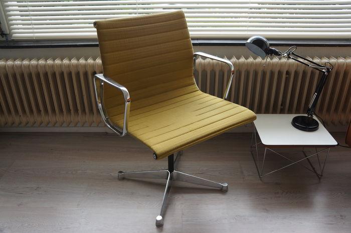 Anni 50 e il design italiano, Charles e Ray Eames sedia per ufficio Herman Miller poi Vitra 1958 - quante ne abbiamo viste di così e/o molto simili???