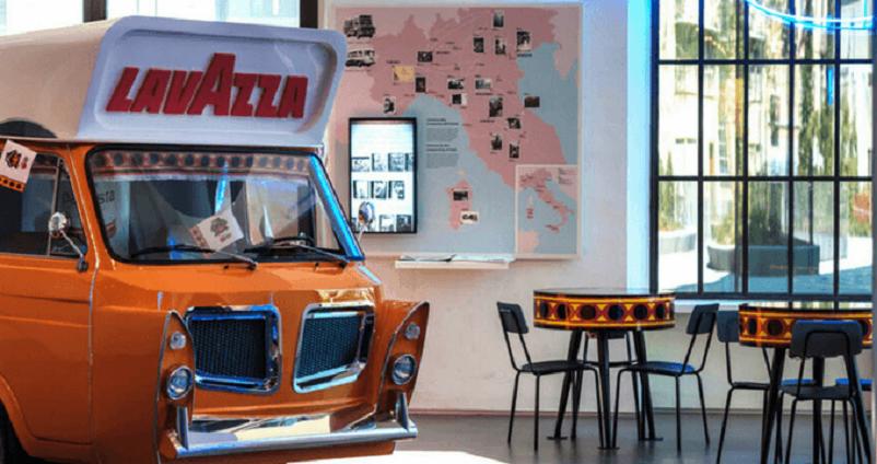 Mobilbar, Realizzato dalla Carrozzeria Boneschi che lo portò al Salone dell'Automobile di Torino del 1959.