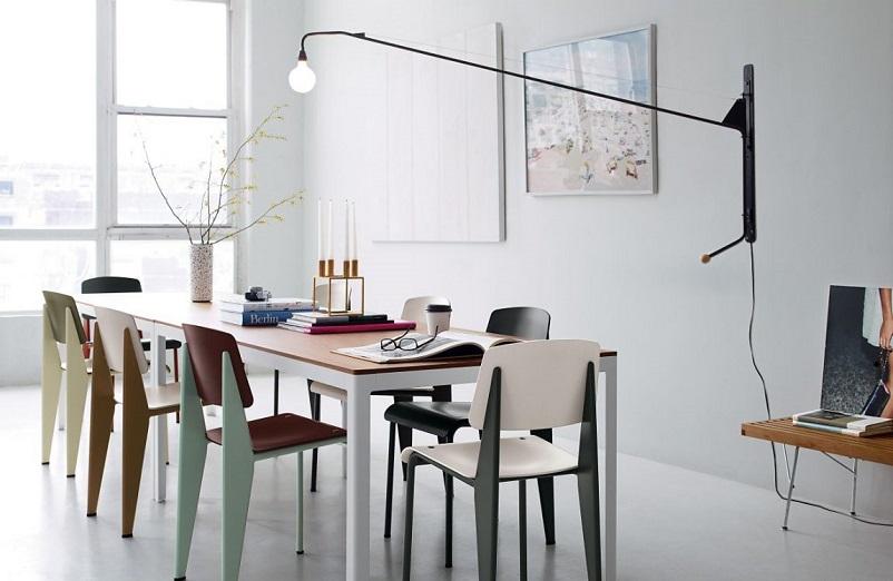 Anni 50 e il design italiano, Potence – Jean Prouvé lampada del 1950.