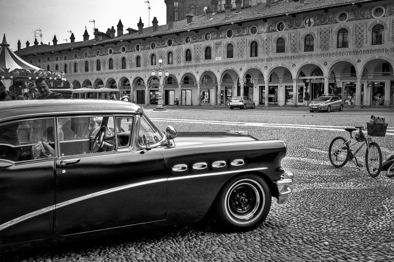 Foto in bianco e nero Vigevano Piazza Ducale vintage.