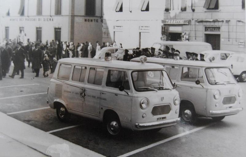Fiat 600 T, Così versatile dal poter essere anche una autoambulanza.
