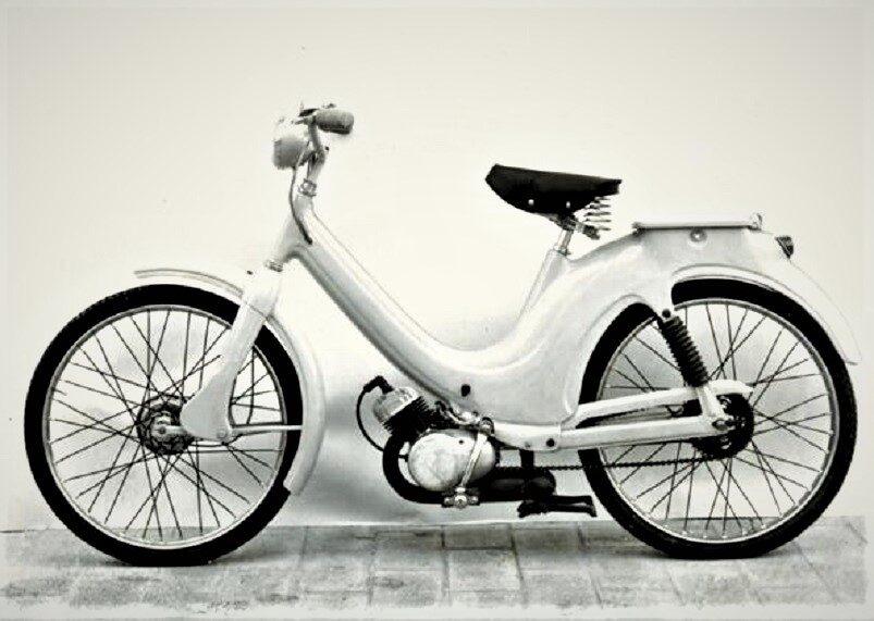 2 1955 Mu.083 prototipo ciclomotore-kYoB-U4332010402094laG-593×443@Corriere-Web-Sezioni