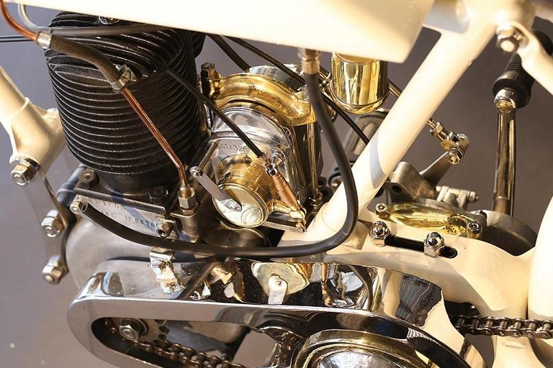 Magnat Debon, Persino per le parti del motore vollero dedicare molto tempo ad alcuni dettagli, rendendola molto elegante.