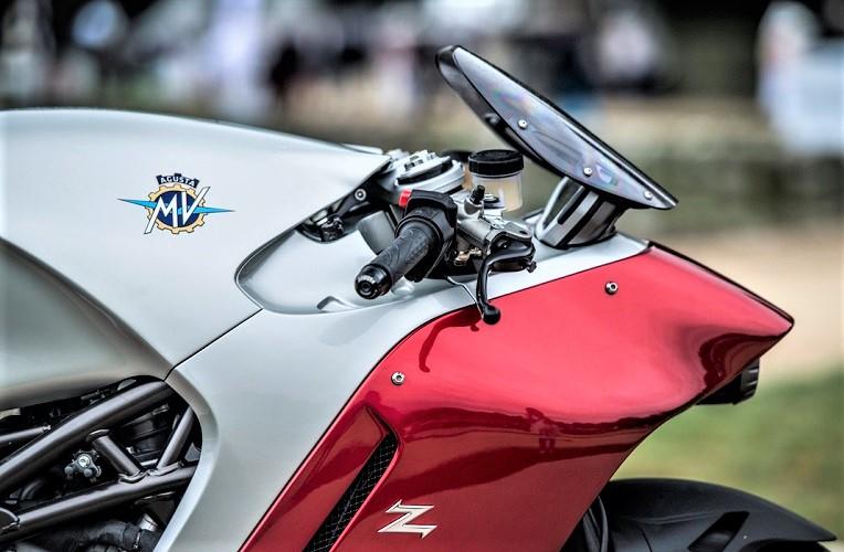 MV Agusta F4 Zagato, Il bel cupolino anteriore, ridotto nelle dimensioni.