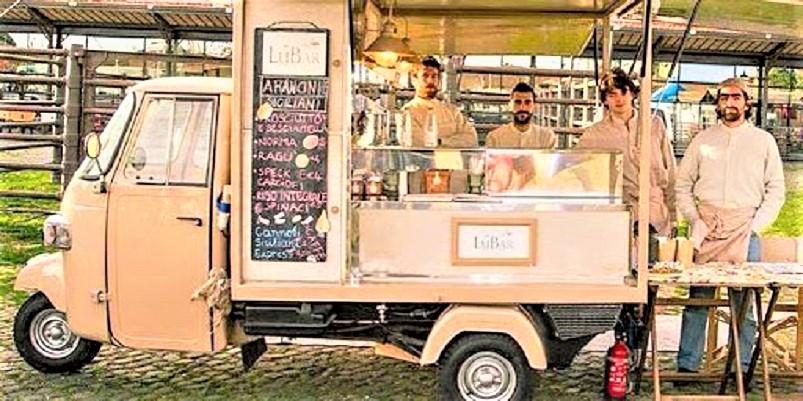 Street food, Anche da cose simili a queste può passare un recupero, quello di un Ape Piaggio.