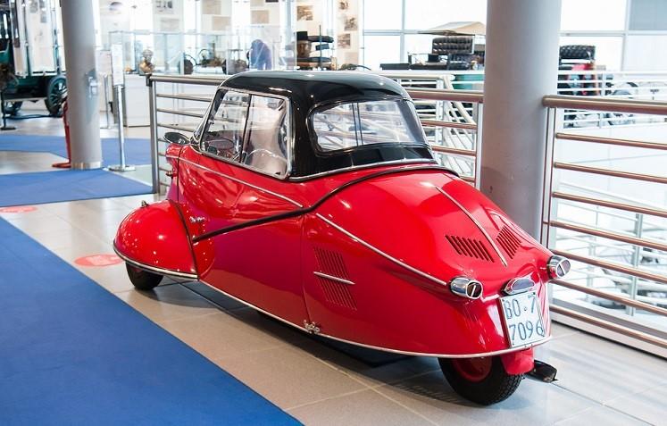 Mi-val, Il MIvalino, differiva dal modello tedesco da cui era derivato solo per i motori in dotazione.