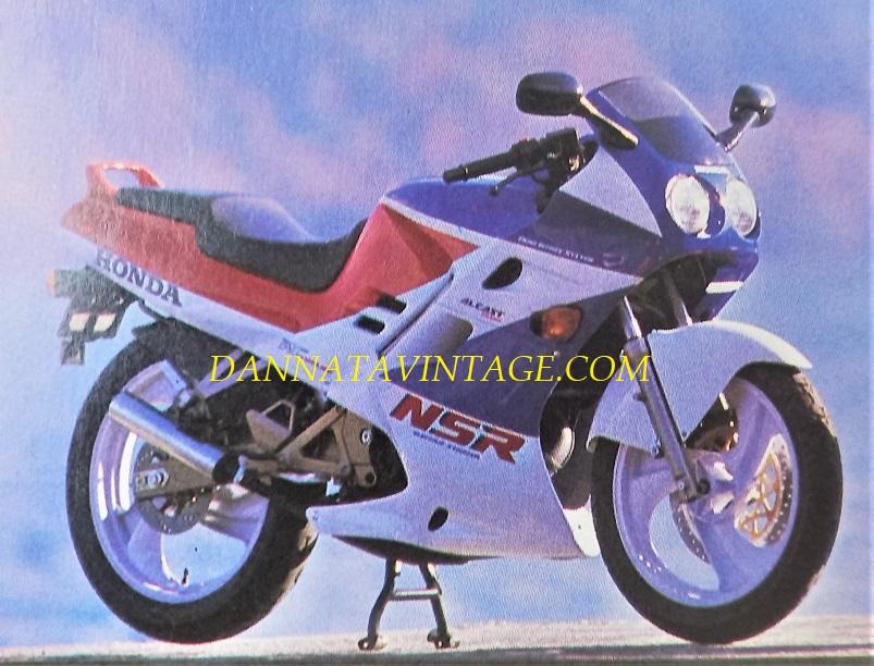 Honda NSR 125 R, Dalla copertina, Dalla copertina, io continuerò a preferirle la mia Aprilia ;) .
