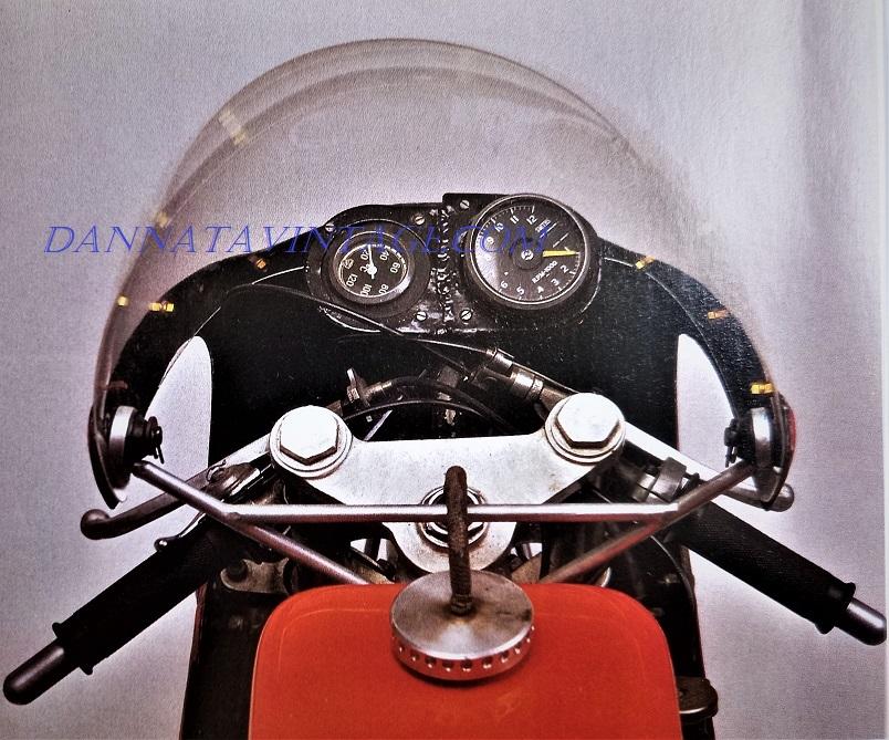 """Jawa 350 GP, Contagiri """"inglese"""", termometro del liquido., essenziale la sua strumentazione."""