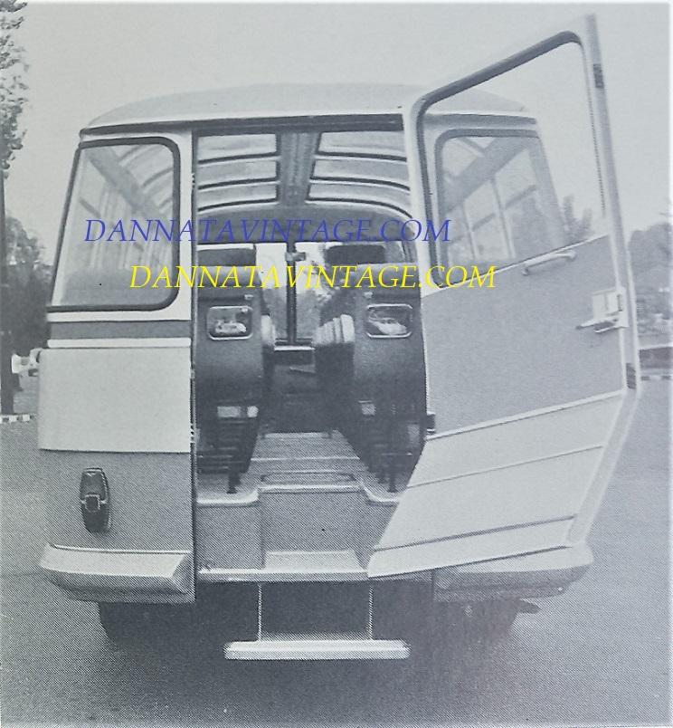 Carrozzeria SCALL, Sempre il trasporto visitatori stabilimenti Fiat ma visto da dietro dove si entrava, 1961.