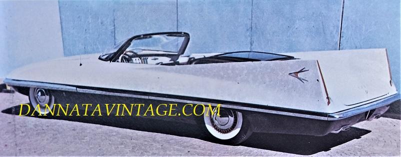 Carrozzeria Ghia, PHOTO 1 - Dart del 1956 qui in versione priva del tetto.