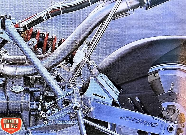 Guzzi Joverno, Un forcellone con l'attacco originale del telaio Moto Guzzi, il mono-ammortizzatore prodotto dalla FAC.
