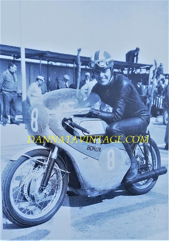 Il Circuito di Riccione, Ralph Brians su una Honda 250cc bicilindrica nel 1966.