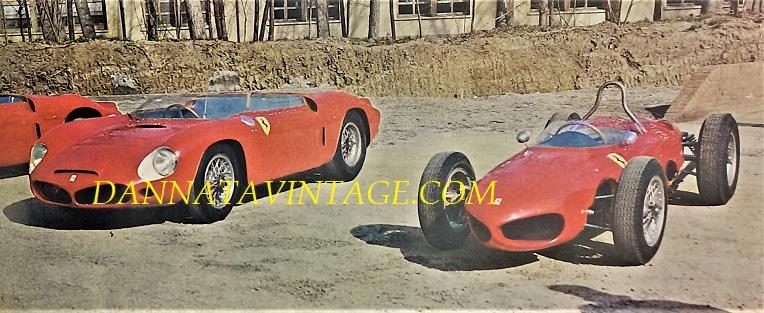 Si correva, 1961 con due Ferrari, a sinistra la 246 P con un sei cilindri a V 2500 Cc 270 cavalli montato posteriormente ed impiegata nelle competizioni per Vetture Sport - L'altra una monoposto per la Formula 1 con un motore Dino 146 sei cilindri a V 1500 Cc 180 i cavalli.