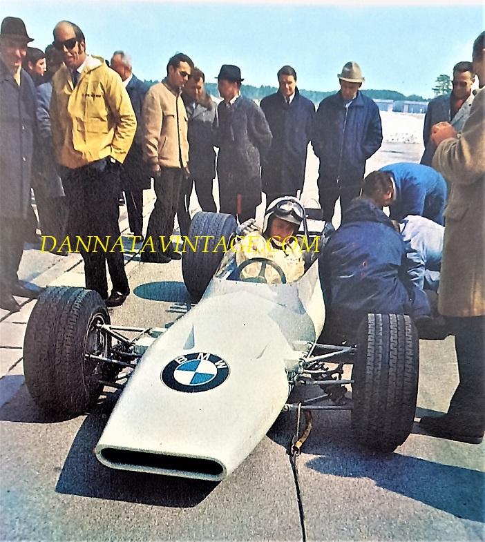 Si correva, La casa tedesca BMW nel 1968 e agli esordi nella Formula 2, con una vettura che era dotata di un telaio di origine opportunamente riadattato, il motore sviluppato dall'Ing. Apfelbeck con quattro valvole per cilindro radiali ed una potenza di 240 cavalli.