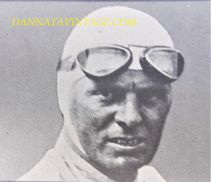Si correva, Achille Varzi (Galliate, 8 agosto 1904 – Bremgarten bei Bern, 1º luglio 1948) in quegli anni il pilota che tutti i team volevano, condusse Alfa Romeo, Maserati, Bugatti e Auto Union.