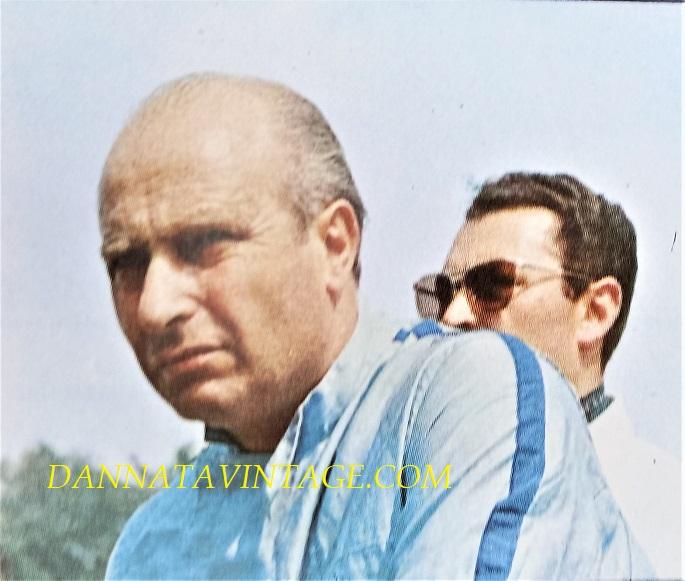 Si correva, Juan Manuel Fangio (Balcarce, 24 giugno 1911 – Buenos Aires, 17 luglio 1995), il cinque volte campione del mondo, con un record durato per molti anni.