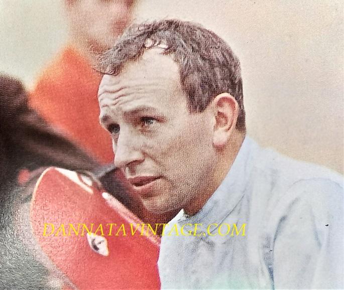 Si correva, John Surtees (Tatsfield, 11 febbraio 1934 – Londra, 10 marzo 2017), prima un ottimo pilota sulle moto passato poi alle auto e con una Ferrari.