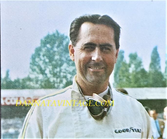 Si correva, Jack Brabham (Hurstville, 2 aprile 1926 – Gold Coast, 19 maggio 2014[), con la Cooper vinse due Mondiali 1959 e 1960, per poi divenire uno dei più importanti costruttori negli anni successivi.
