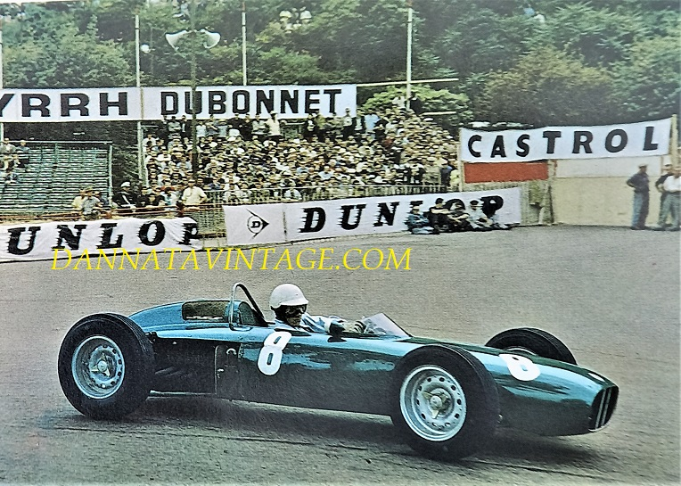 Si correva, La BRM con alla guida Richie Ginther nel 1962 durante il GP di Monaco, motore otto cilindri a V, 195 cavalli a 9.500 giri minuto, iniezione indiretta.